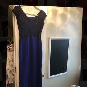 Dresses & Skirts - Size 4 evening gown